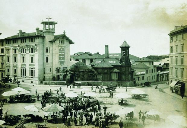 Archivio Storico Museo Birra Peroni Esterno Storico BN LoveITALIA