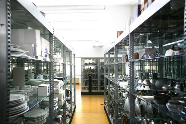Museo Alessi Interno Scaffali LoveITALIA