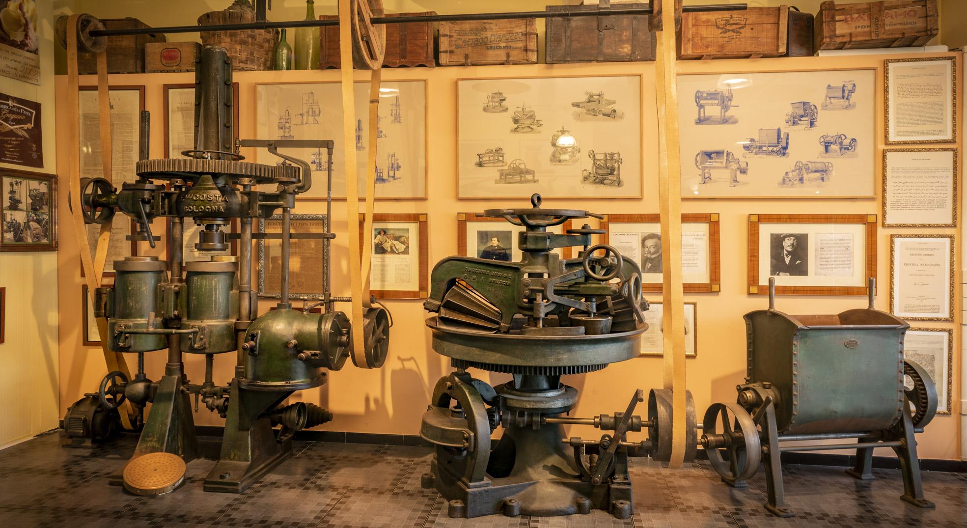 Museo Privato Fabbrica Pasta Gragnano Macchine Impastatrici LoveItalia