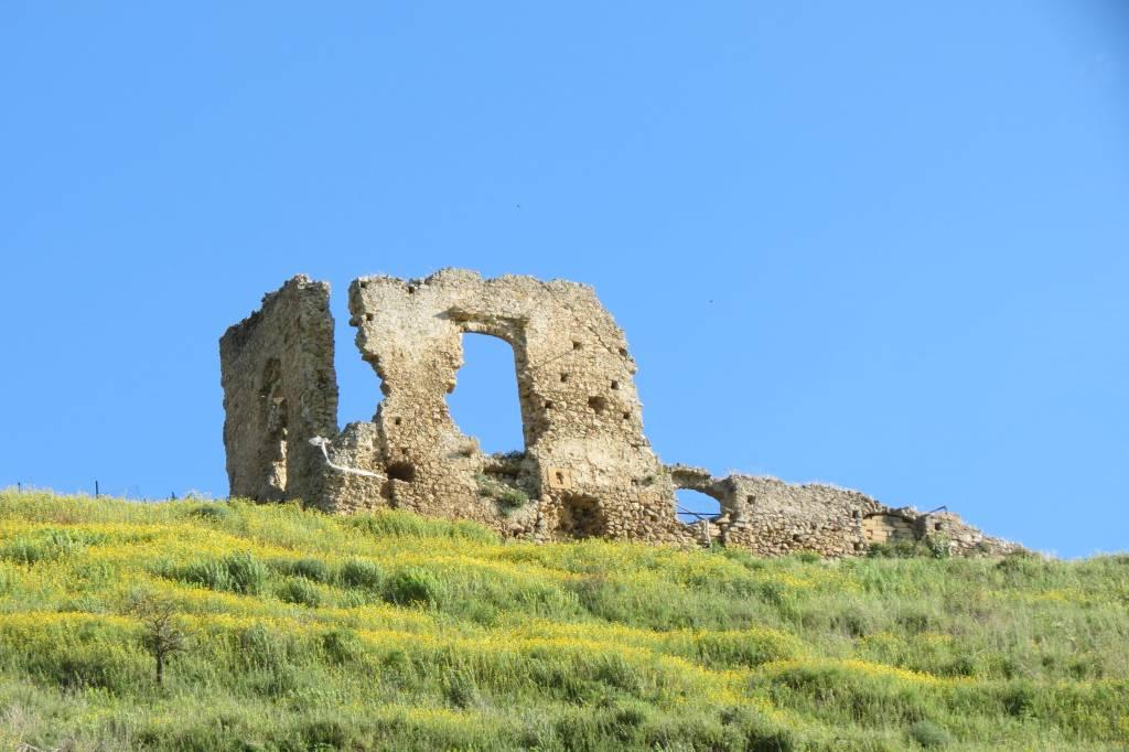 mura castello gravina pro loco sammichelese 1